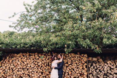 M + J - UN MARIAGE BOHÈME DANS UNE MAISON FAMILIALE EN NORMANDIE