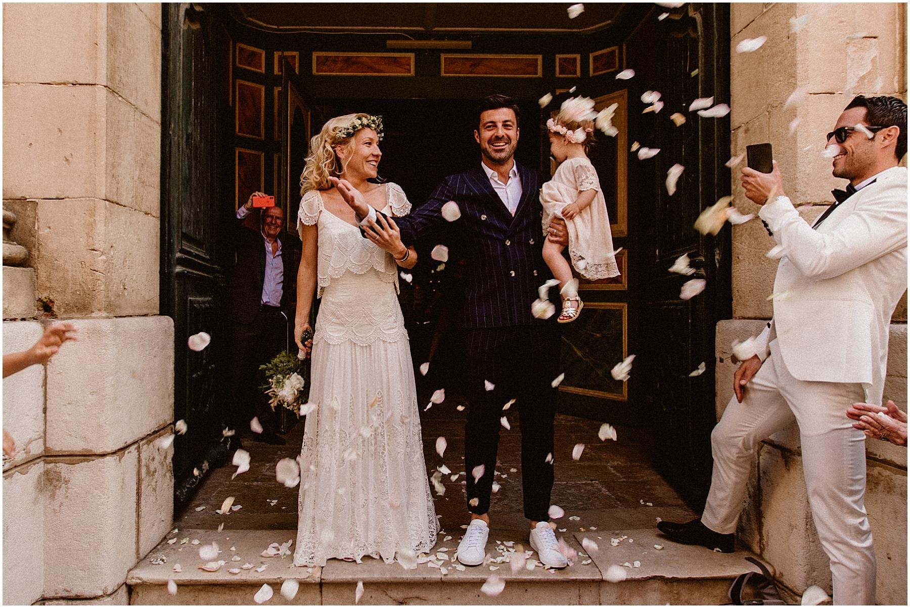 Sortie mariage eglise saint tropez