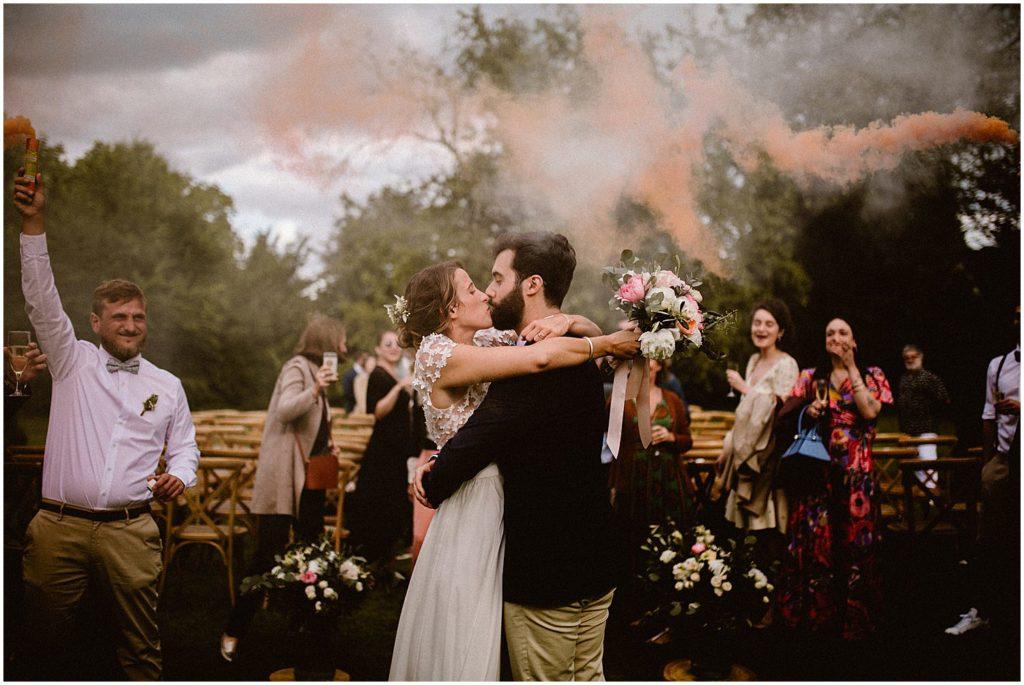 Ceremonie laique mariage boheme dime giverny fumigenes